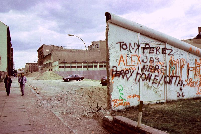 Germany_DDR_wall_teardown